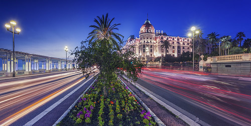 longexposure sunset panorama lightpainting france building architecture canon landscape photography nice côtedazur bluehour canonef1740mmf4lusm coucherdesoleil tourisme hôtel frenchriviera promenadedesanglais alpesmaritimes 2015 provencealpescôtedazur singhray canoneos5dmarkii ericrousset lenegresco galenrowellsinghray3stopgndfilter