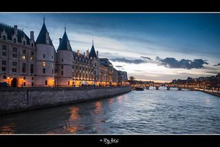 La conciergerie PARIS au coucher de soleil