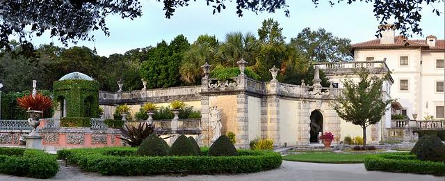 Vizcaya Museum and Gardens – Miami. Nikon D3100. DSC_0428-0430.