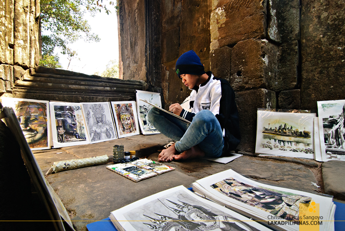 Painter at Banteay Kdei in Siem Reap
