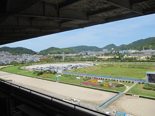姫路競馬場の内馬場の駐車場