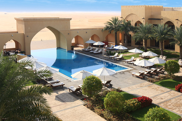 Tilal Liwa Hotel - Swimming pool (6)