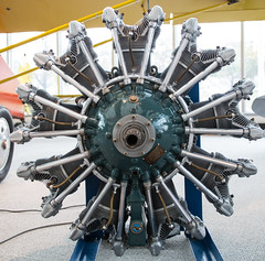 The beauty of the radial engine...