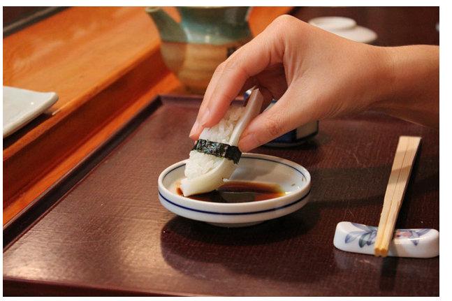 意外と知らないお寿司屋さんでのマナー!「おあいそ」や「あがり」という言葉、使っていませんか?  Foodline(フードライン)