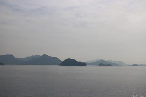 瀬戸内海の島々(パーキングエリア 「エデンの海」より)