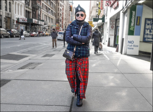 ss1-15  19w red tartan plaid skirt down jacket under plaid pointed hat small Louis Vuitton bag
