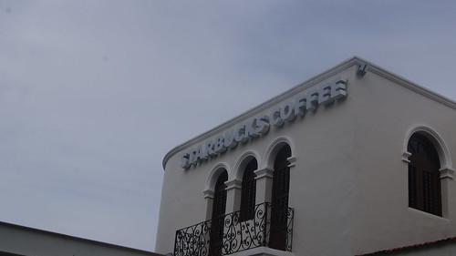 STARBUCKS en la Ave. Montejo