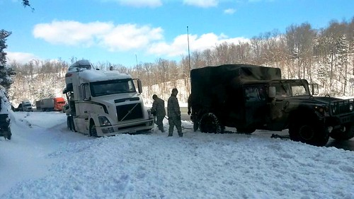 Kentucky National Guard troops help stranded trucker