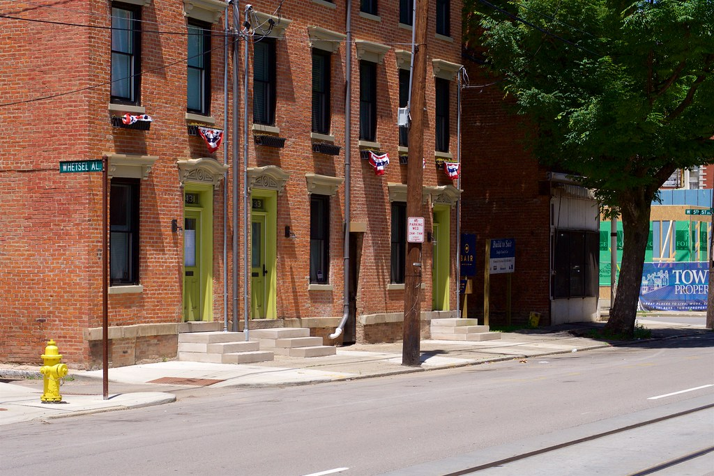 Hotels Near  Walnut Street Cincinnati Ohio