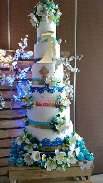 Blue and Gold Wedding Cake by Reih Jei NX Austria of Jeinx Sugar Art