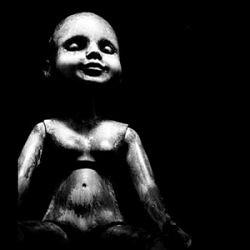 Nati Nelle Tenebre – Dentro La Morte