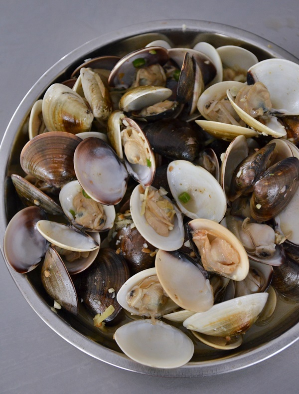 Steamed Kepah Clams