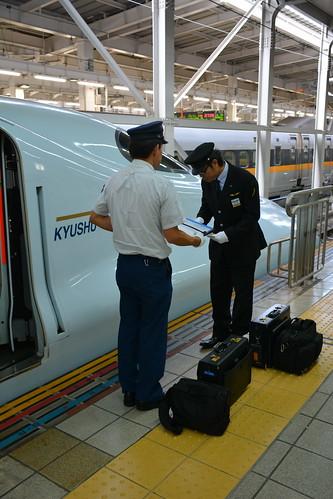 乗務員交換:博多駅