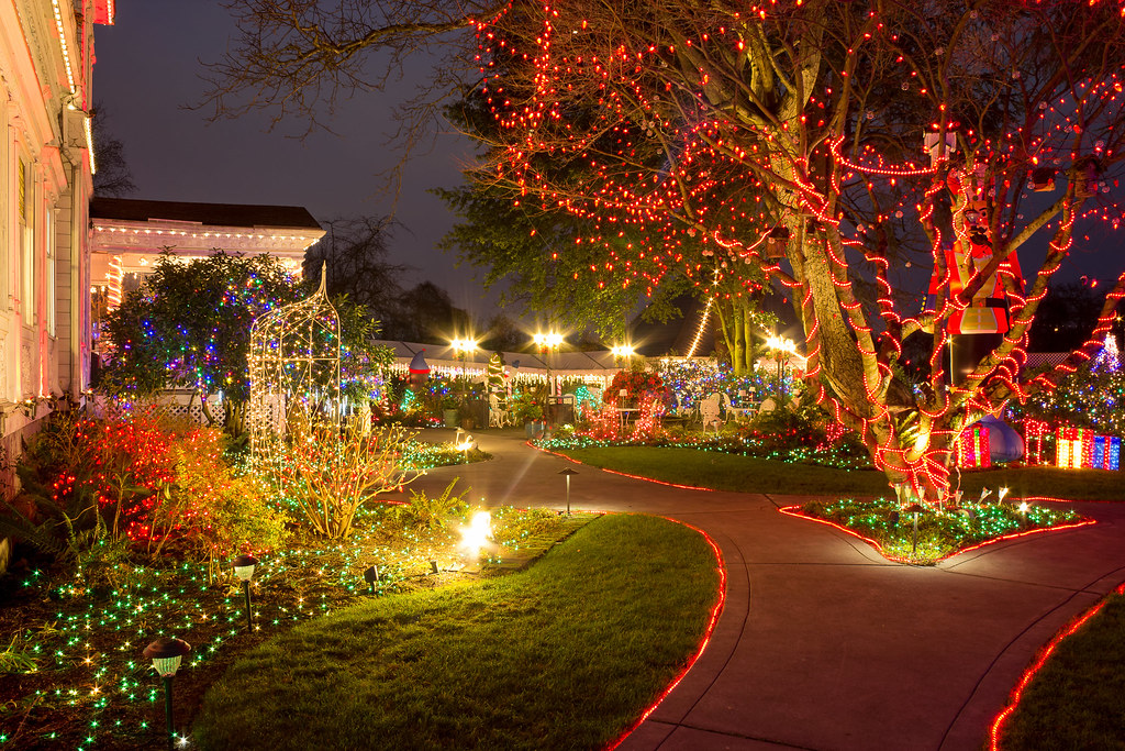 Christmas lights & Here Are the Best 13 Places in Oregon to See Christmas Lights ... azcodes.com