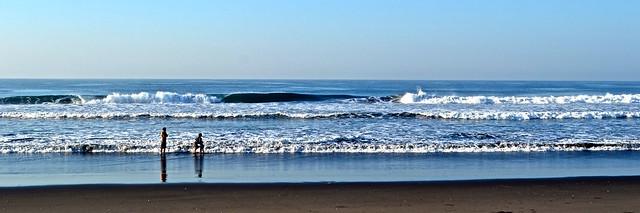 surfing guatemala - paredon