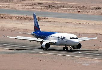 LAN A320 aterrizando en CJC (RD)