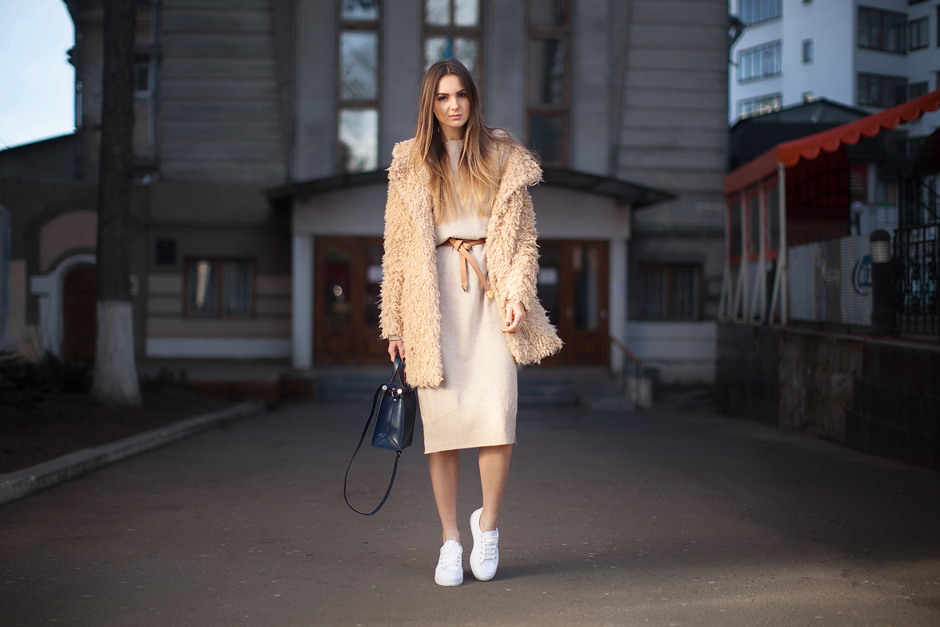 teddy-coat-outfit-street-style-sweater-dress