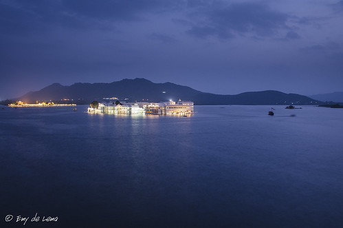 blue india water bluehour udaipur