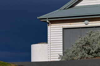 Imagen de Point Lonsdale Lighthouse. bellarinepeninsula victoria australia pointlonsdale clouds stormclouds