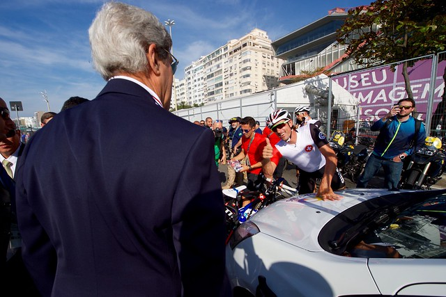 Secretary Kerry Gets a Thumbs Up From Swiss Cyclist Fabian Cancellara