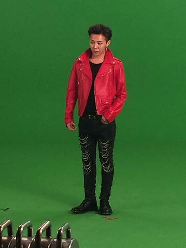 G-Dragon - Tower of Saviors - 2014 - BTS - 21