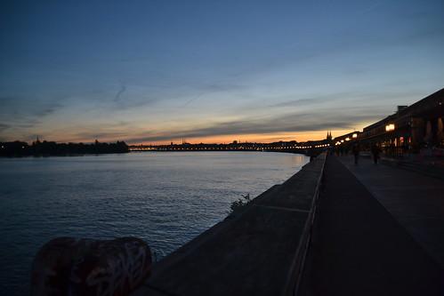 Bordeaux by night 04