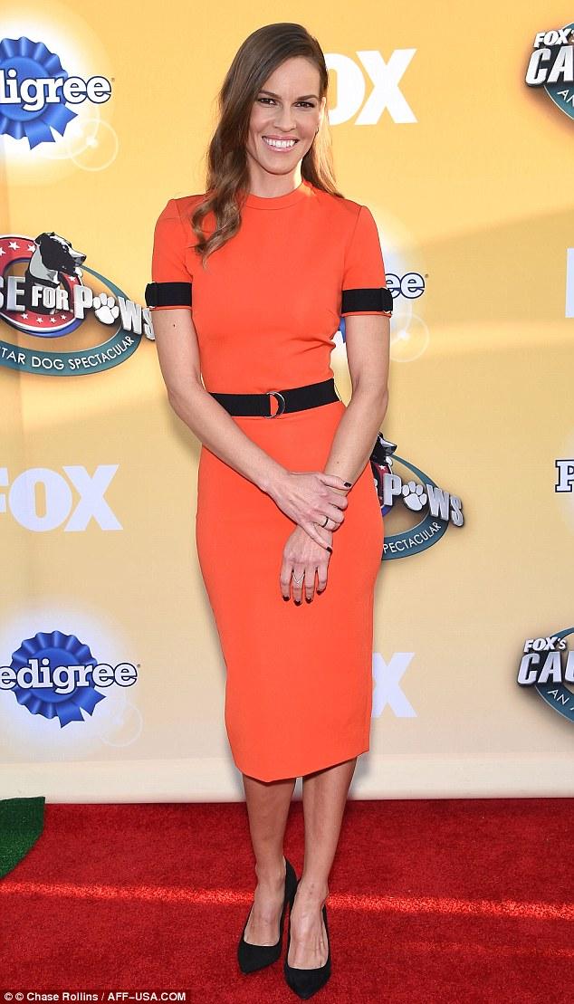 Hilary-Swank-orange-pencil-dress,orange giraffe print pattern dress,  Viktor & Rolf A/W14 couture dress, how to wear orange, how to style orange