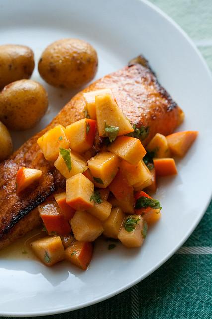 Broiled Salmon with Persimon Salsa