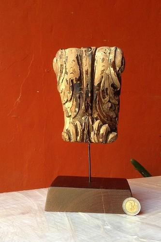 Acanthus scroll corbel