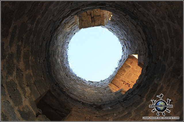 Interior hueco de torreón del Castillo de Berlanga,  Berlanga de Duero (Soria, España)