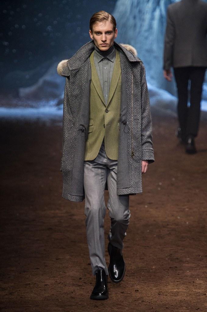 Jeroen Smits3174_FW15 Milan  Corneliani(fashionising.com)