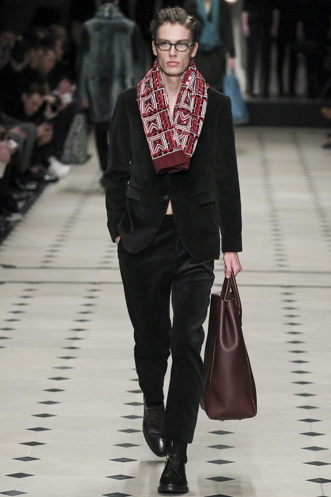 FW15 London Burberry Prorsum034_Marc Schulze(VOGUE)