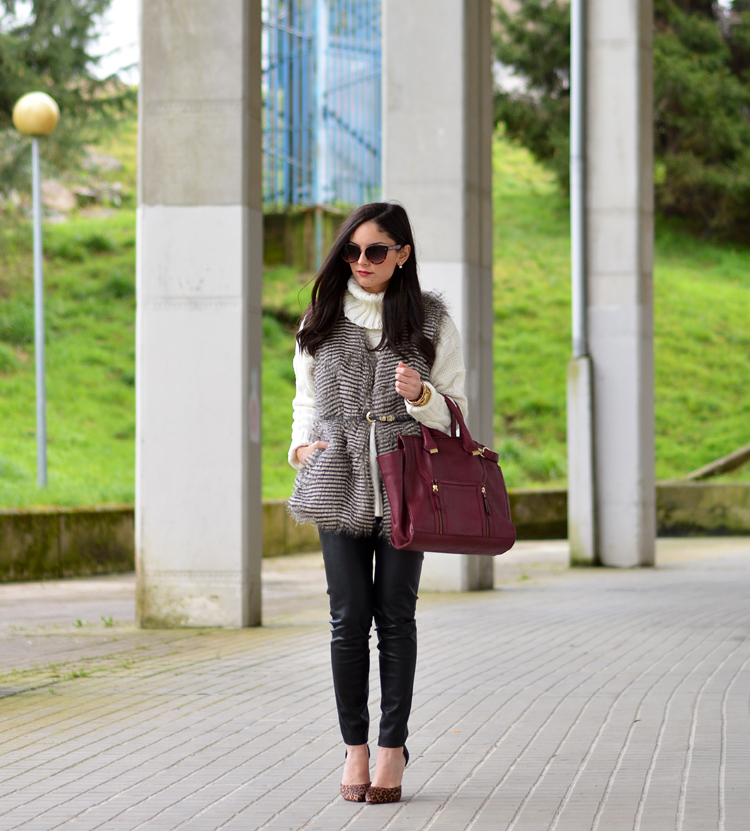 Zara_ootd_leather leggings_burdeos_vest_outfit_leopard_01
