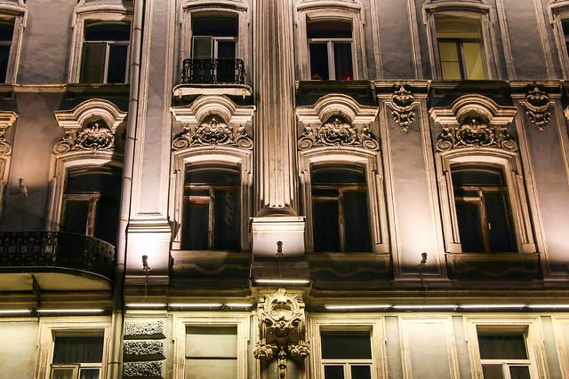 Illumiated walls of a building, Saint Petersburg, Russia サンクトペテルブルク、ライトアップされた窓