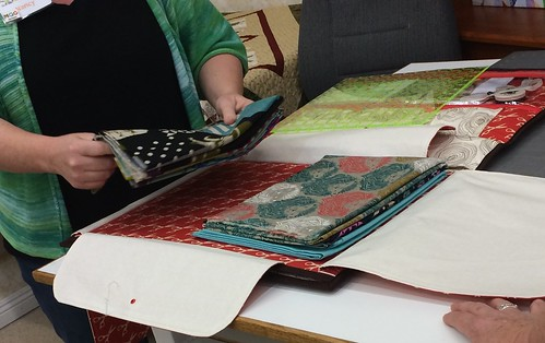 Nancy's QuiltCon Tote in action