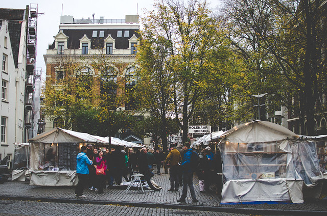A rainy day at the Spui Book Market in Amsterdam.