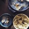 簡單午餐 婆婆的蝦仁水餃和閃電到貨的粉搖蛤,好甜啊!  #17buyfood