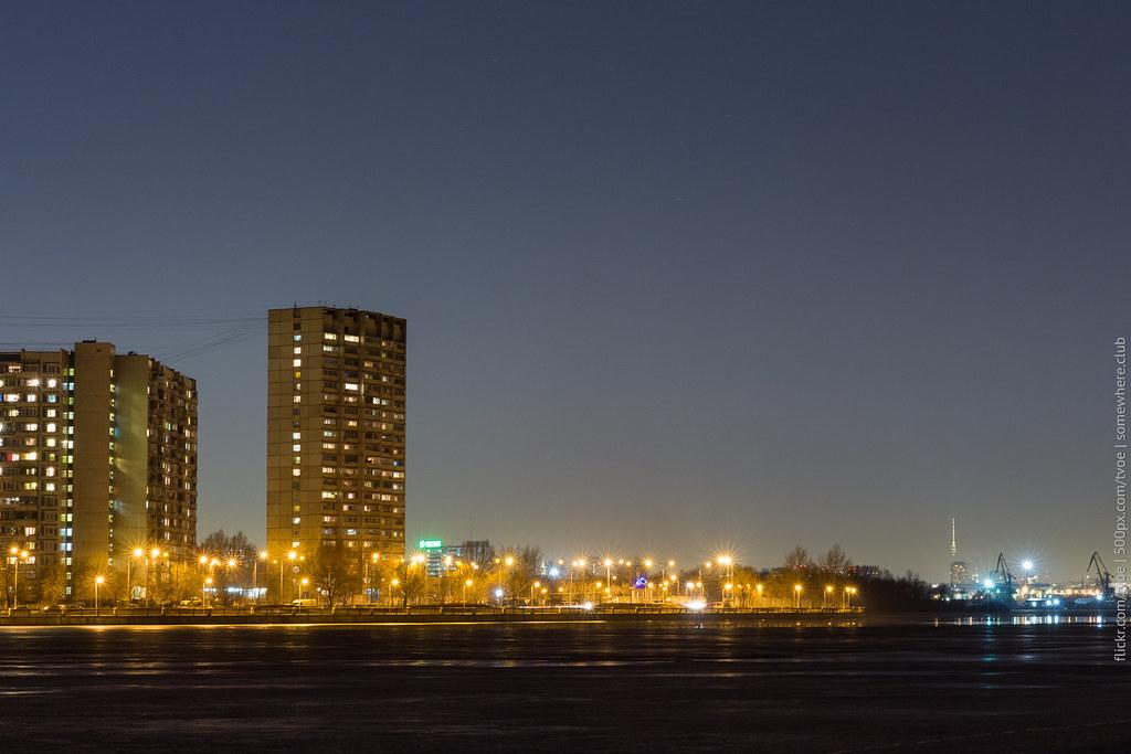 Вид на Нагатино и Москву-реку из Печатников с Останкинской башней