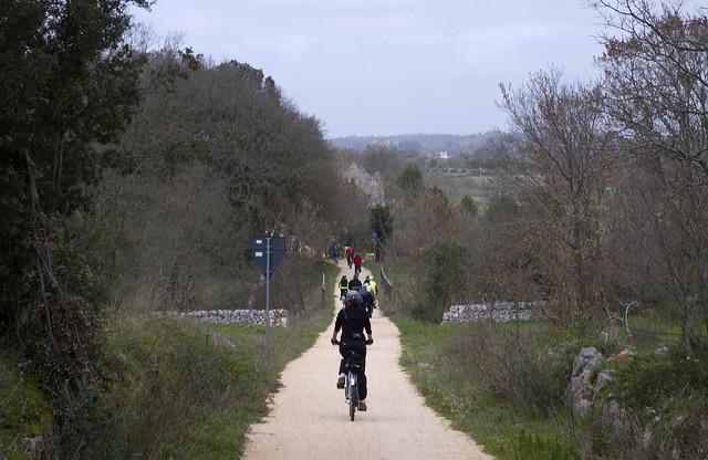 valle d'itria in bicicletta