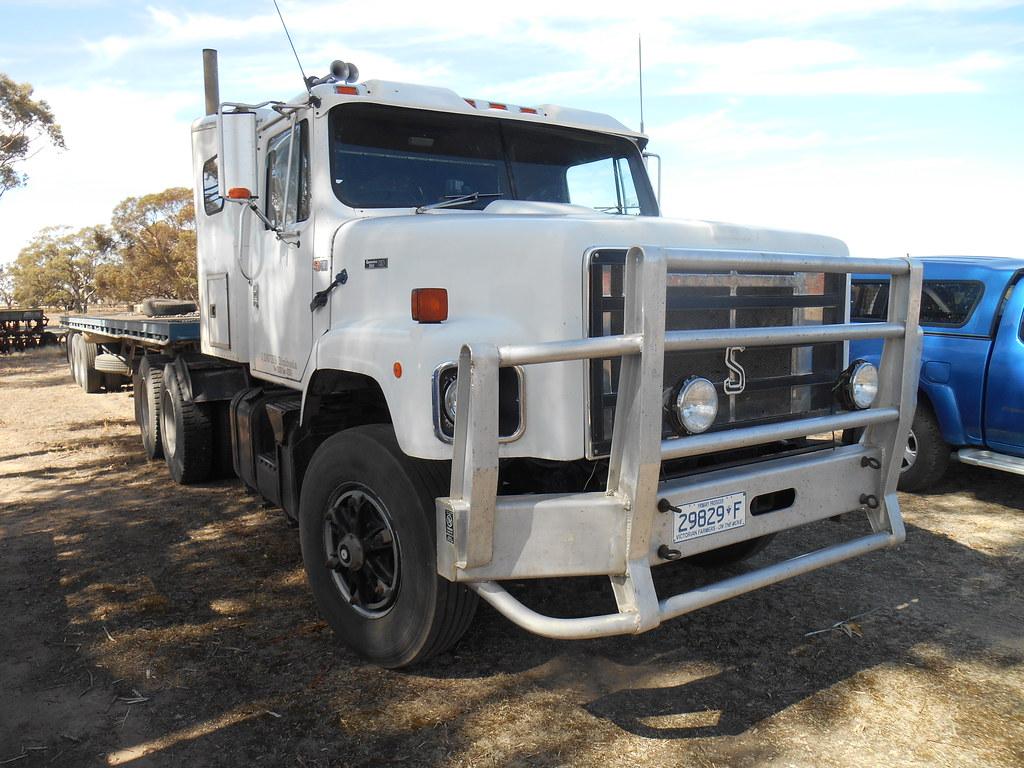 1989 International S Line Truck