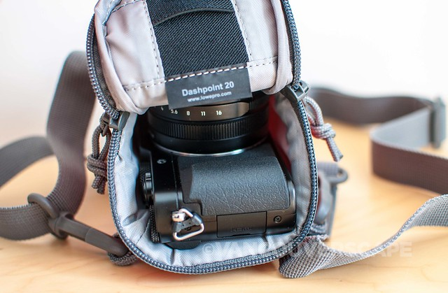 Lowepro Dashpoint 20 camera bag-3