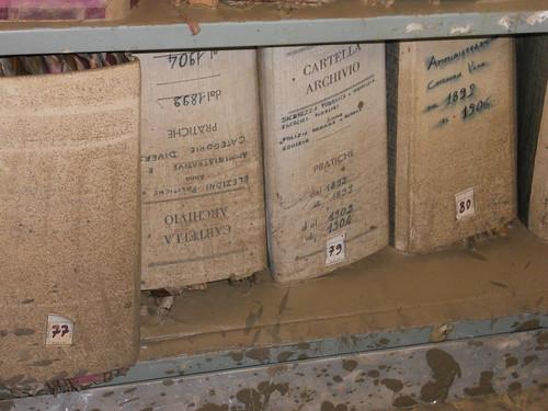 Protezione Civile: a Sesto Fiorentino un corso per il recupero di beni archivistici danneggiati da calamità