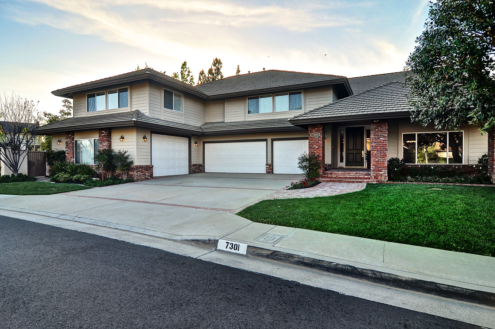 7301 E Kite Drive | Open House Sunday 3/29 from 1-4 pm