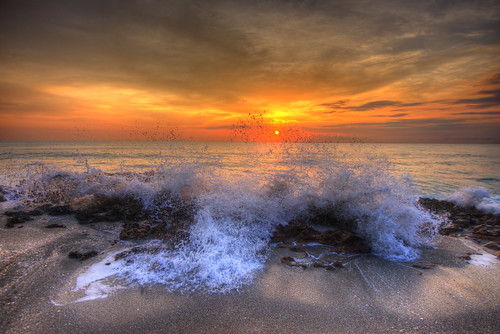 sunrise jupiter florida 201504 blowingrocks sand beach coral rock wave splash surf atlantic ocean horizon sun orange clouds hdr