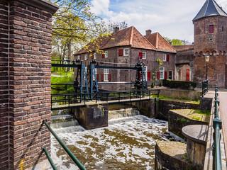 Dubbele Stoneysluis of Schuifstuw in de Eem bij de Koppelpoort - Amersfoort - Rijksmonumenten