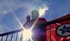 Sonne und Rauch auf der Terrasse des FC Südstern