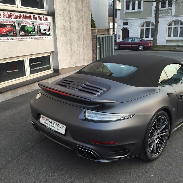 Porsche Turbo Cabrio 991 Von Schwarz Glanzend Auf Grau Matt Metallic