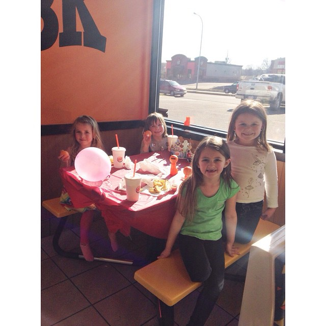 Zooey and her friends at a birthday part today! #missz #andfriends