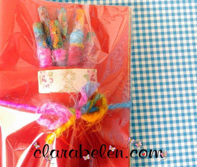 como hacer souvenir de lapices y libreta economico