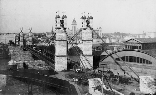THE 2ND HENNEPIN AVENUE SUSPENSION BRIDGE DURING THE CONSTRUCTION OF THE STEEL ARCH BRIDGE M0386 (2)
